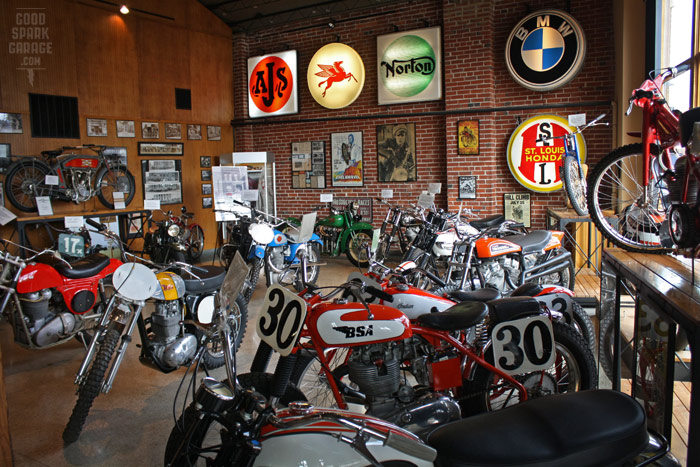 Dave mungenast classic motorcycles museum st louis for Garage reparation moto