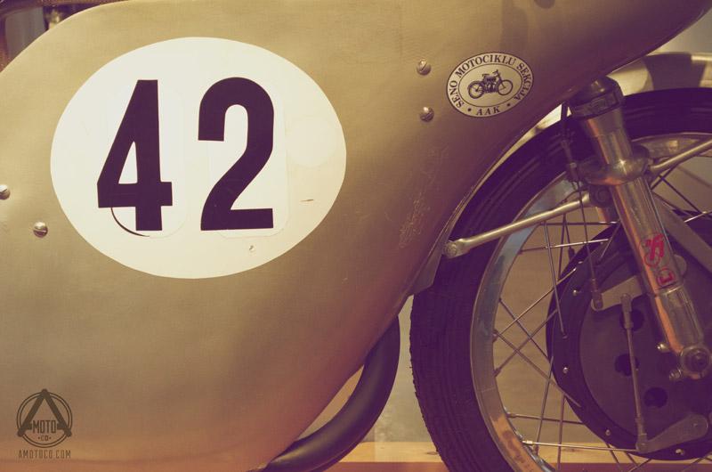 AMotoCo - Vintage Race Bike 42