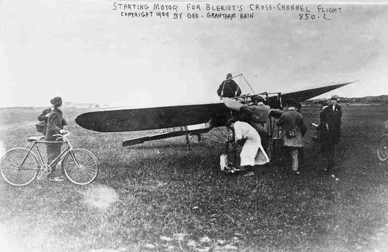 Bleriot pre-takeoff 1909