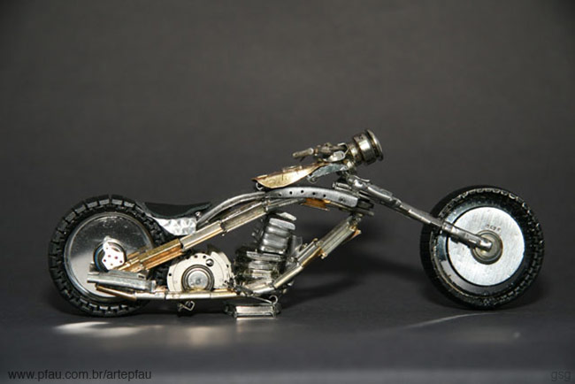 Jose Pfau : Watch Motorcycle Chopper