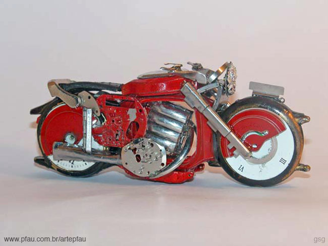 Jose Pfau : Red Watch Motorcycle