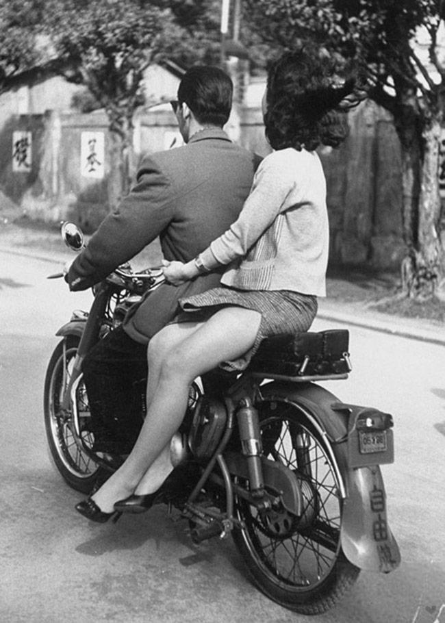 vintage motorcycle couple_sidesaddle
