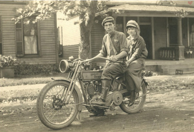 vintage motorcycle harley couple