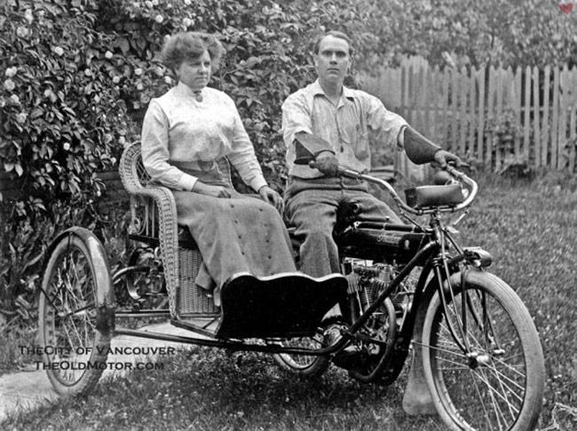 vintage motorcycle wicker sidecar couple