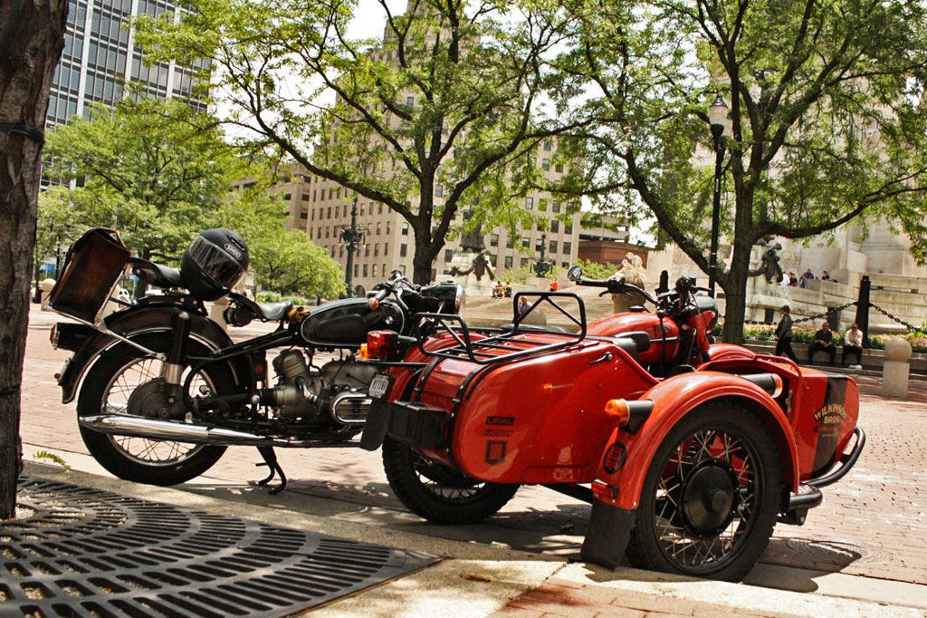 Ural_and_BMW_IndianapolisDowntown