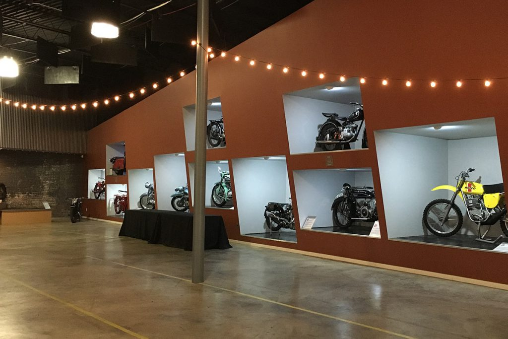 moto-museum-stlouis-interior