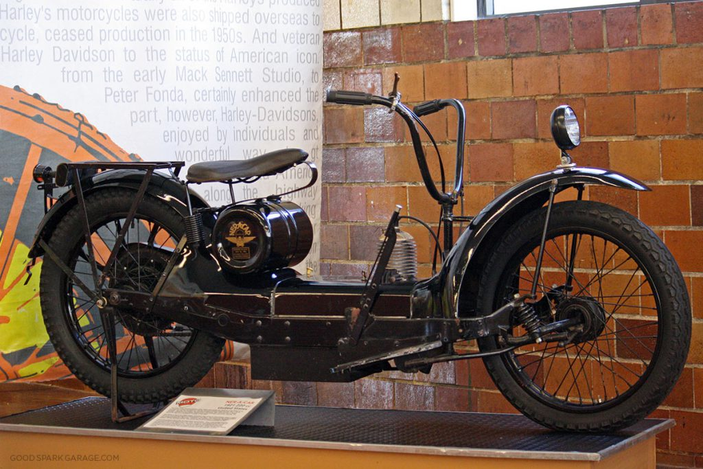moto-museum-stlouis-ner-a-car